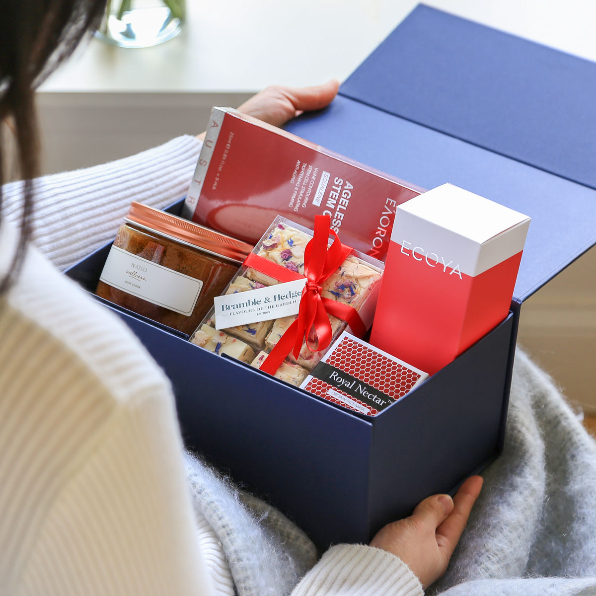 Sweet Like Honey Gift Box - Rén Gifts to China